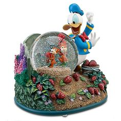 Donald Duck snow globe