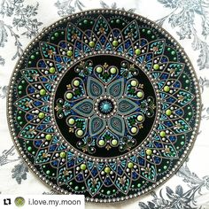 "83 Me gusta, 1 comentarios - ¡MANDALAS! (@_mandalas.love_) en Instagram: ""#Repost @i.love.my.moon with @repostapp ・・・  Очень приятно рисовалась эта тарелочка. Сочетание…"""