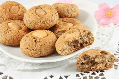 Coffee lovers and sweet-tooths will delight in these cookies. They are crumbly and boast of a tender coffee flavor and a rich nut taste. Healthy Nutrition, Healthy Cooking, My Favorite Food, Favorite Recipes, Frozen Coffee, Coffee Cookies, Tasty, Yummy Food, How To Make Coffee