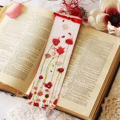 Bookmark - Bookmark with fibers - Poppy - Reading - Book - Poppies Creative Bookmarks, Cute Bookmarks, Handmade Bookmarks, Elderly Crafts, Fun Crafts, Diy And Crafts, Watercolor Bookmarks, Bazaar Crafts, Marker Art