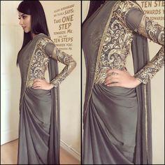 Pakistani Dresses, Indian Dresses, Indian Outfits, Indian Sarees, Saree Gown, Sari Blouse Designs, Stylish Sarees, Elegant Saree, Indian Attire