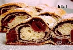 Meggyes-mákos kelt rétes Strudel, Coffee Cake, Bagel, French Toast, Good Food, Bread, Cookies, Breakfast, Sweet