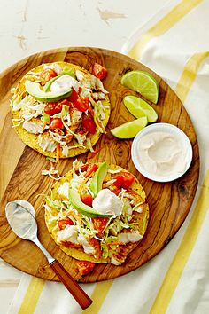 For a quick and easy winter dinner recipe, your family will gobble right up, stack broiled tilapia, veggies, and a chili-lime cream on crunchy tostadas. Fish Recipes, Seafood Recipes, Mexican Food Recipes, Ethnic Recipes, Winter Dinner Recipes, Healthy Dinner Recipes, Healthy Meals, Dinner Ideas, Tostadas