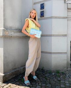 Cute Casual Outfits, Summer Outfits, Yellow Pants Outfit, Sorbet, Girl Fashion, Fashion Outfits, Fashion Trends, Ohh Couture, Leonie Hanne