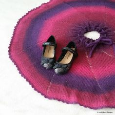 Snurreskjørtet - Gratis oppskrift Free Knitting, Knit Crochet, Crochet Patterns, Pink, Crochet Chart, Crochet, Crochet Tutorials, Crocheting Patterns, Shawl Patterns