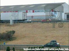 #Valladolid #Foto Accidente en la salida de Zaratan desde la #A_62 direccion Tordesillas. Coche empotrado debajo de un camion. 2 coches de GC y Ambulancia.