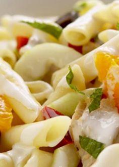 Salada de massa com atum e maionese de hortelã