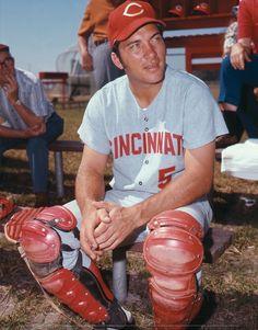 Baseball Guys, Baseball Players, Football, Mlb, Johnny Bench, Rare Historical Photos, Cincinnati Reds Baseball, Sports Figures, Childhood Memories