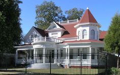 204 Powell South , Union Springs, AL 36089 is currently not for sale. single-family home is a 5 bed, bath property. This home was built in 1890 and last sold on for. View more property details, sales history and Zestimate data on Zillow. Southern Architecture, Victorian Architecture, Historical Architecture, Beautiful Architecture, Pine Wood Flooring, Hardwood Floors, Antebellum Homes, Old Houses For Sale, Historic Properties