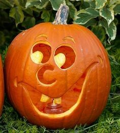 theres something to be said for funny pumpkin carving ideas that play up classic jack o lantern features and techniques this sweetly smiling pumpkin - Creative Halloween Pumpkin Carving Ideas