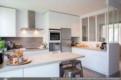 Epure et Design pour une cuisine verrière à Neuilly, Laurence Garrisson - Côté Maison Projets