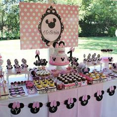 Violeta Glace 's Birthday / Minnie Mouse - Photo Gallery at Catch My Party Minnie Mouse Clubhouse, Minnie Y Mickey Mouse, Minnie Mouse Theme Party, Minnie Mouse Baby Shower, Minnie Birthday, Baby 1st Birthday, Mickey Party, Mouse Parties, Birthday Parties