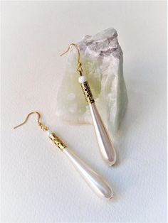 Champagne PearlsLong Teardrop PearlsGold Filigree Minimal