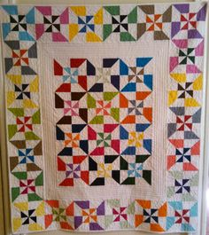 Double pinwheel baby quilt Eleanor Burns Quilt made by SistersNagy