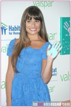 Lea Michele Gives A Hand For Habitat