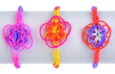 3 pulseras con ligas en forma de flor. Rosa, amarilla, naranja Gimp Bracelets, Lanyard Bracelet, Bracelet Making, Loom Bands, Rainbow Loom, Crochet Necklace, Christmas Ornaments, Holiday Decor, Margarita