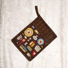Pocket Pot Holder • Brown Hot Pad • Chocolate Potholder • Retro Oven Mitt • Vintage Pyrex Bowls • Coffee • Dutch Oven • Kitchen Tools • Gold