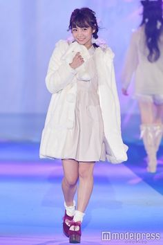 「GirlsAward 2016 AUTUMN/WINTER」に出演した北野日奈子 (C)モデルプレス Cute Fashion, Womens Fashion, Kawaii Girl, Harajuku, Hair Beauty, Slip On, Asian, Poses, Female