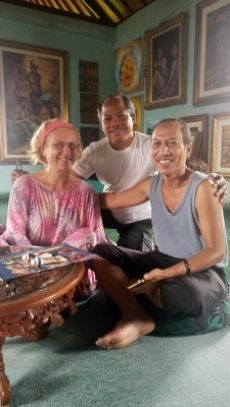 If you feel creative and that it is high time that you learn how to draw and paint to express what is inside you, you are invited to our  10-day beginners painting course to the Magical Art Centre of Bali, Ubud, at the end of January 2017. More info & booking: http://curiosumhealing.com/en/10-Day-Painting-Course/ #paintingcourse #painting #bali #ubud #art #creativity