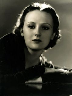 "DOROTHY JORDAN (1906-1988) was an American stage & film actress. She studied at the American Academy of Dramatic Arts. Trained as a ballerina, she first graced the stage as a chorus girl in musicals, like ""Funny Face"" (1927), with Fred Astaire, and ""Treasure Girl"" (1928), with Gertrude Lawrence and Clifton Webb; also ""Garrick Gaities."" Afterwards, she played ""sultry dames."" In talkies, she didn't impress audiences . In 1933 she married producer Merian C. Cooper & retired (had 3 children)."