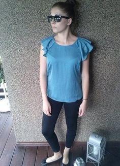 Kup mój przedmiot na #vintedpl http://www.vinted.pl/damska-odziez/bluzki-z-krotkimi-rekawami/14961284-bluzeczka-seledynowa-delikatna-carry-38