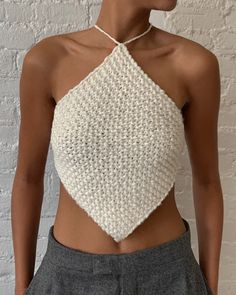 Crochet Bra, Crochet Halter Tops, Crochet Crop Top, Toddler Flower Girl Dresses, Girls Dresses, Crop Top Pattern, Backless Top, Crop Top Outfits, Crochet Fashion