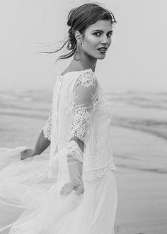 Un souffle de liberté et d'amour en bord de mer  Laure de Sagazan | Robes de mariée | Collection 2014