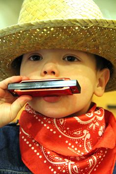 cowboys party - harmonica party favours