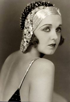 Irene Delroy (Bloomington, July 21, 1900 - Ithaca, June 14, 1985) was an American actress who, in the twenties, took part in numerous musical shows on Broadway. Born in Illinois in 1900, Irene Delroy opened on Broadway in 1920 in the musical frivolities of 1920.