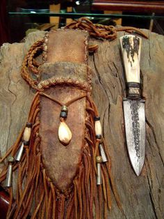 Frontier/Rustic style knives.