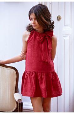 Vestido de lino rojo con corte a la cadera y lazo en el escote. Julia, Girl Room, Girl Fashion, High Neck Dress, Summer Dresses, Sewing, Milena, Clothes, Beautiful