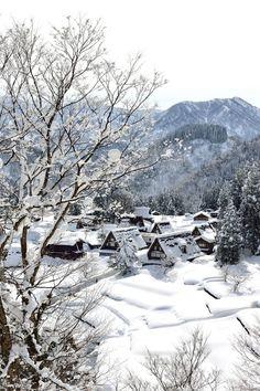 Winter in historic villages of Ainokura in Gokayama, Toyama, Japan Places Around The World, Around The Worlds, Gokayama, Winter In Japan, Belle Villa, Winter Scenery, Snowy Day, Snow Scenes, The Villain