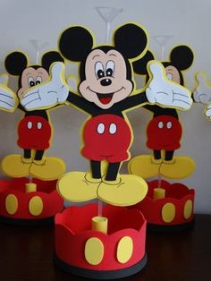 Fiesta Mickey Mouse, Mickey Mouse 1st Birthday, Mickey Mouse Parties, Mickey Party, 1st Boy Birthday, Mickey Minnie Mouse, Happy Birthday Wishes, Mickey Mouse Centerpiece, Birthday Party Tables