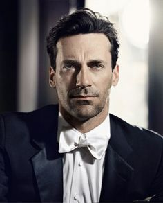 Magazine photos featuring Jon Hamm on the cover. Jon Hamm magazine cover photos, back issues and newstand editions. Don Draper, Jon Hamm, Mad Men, Benecio Del Toro, Hollywood, Raining Men, Older Men, Actors, Held