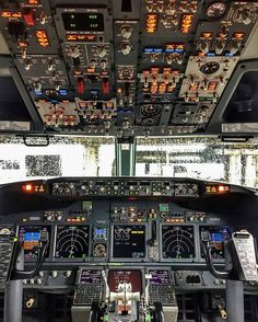 "1,350 Likes, 6 Comments - @world_aviation99 on Instagram: ""Gol boeing 737 (cockpit) at Sao paulo-congonhas  #gol #boeing #boeinglovers #737 #beauty #cockpit…"""