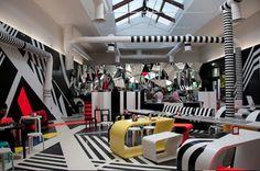venice biennale, GIARDINI bar - Read more about a fantastic art trip www.daysontheroad.be