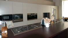 CUCINA MODERNA CON PENISOLA Kitchen Cabinets, Interior Design, Chic, Home Decor, Trendy Tree, Nest Design, Shabby Chic, Decoration Home, Home Interior Design