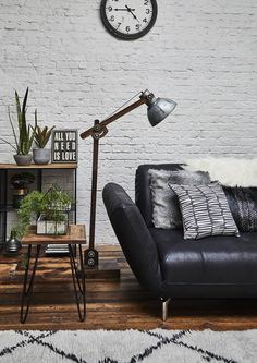 Add a contemporary look to your living room with the Wylie black leather cormer sofa. Perfect for an industrial interior.