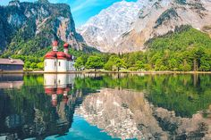 Road trips in Germany: 5 dream roads Road Trip Moto, Road Trip Europe, Road Trips, Travel Around The World, Around The Worlds, Flora Und Fauna, Voyage Europe, Seen, Parc National