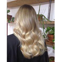 Blonde Gorgeous Soft Waves and Shine Blonde Hair Looks, Brown Blonde Hair, Wavy Hair, Dyed Hair, Medium Blonde, Hair Color Balayage, Hair Highlights, Great Hair, Hair Day