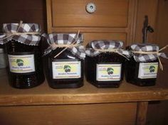 Die Kombination aus Vanille und Brombeeren...einfach köstlich! Auch ein schönes Gastgebergeschenk! Make An Effort, Fruit Salad, Preserves, Jelly, Berries, Food And Drink, Canning, Desserts, Womens Luggage