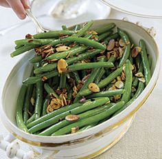 Garlicky+Green+Beans+with+Almonds
