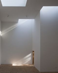 Espaço T / Steven Holl Architects Steven Holl Architecture, Minimalist Architecture, Sustainable Architecture, Contemporary Architecture, Architecture Details, Interior Architecture, Architecture Images, Ancient Architecture, Landscape Architecture
