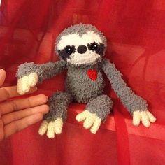 yeah, I finished the sloth today. It's so fluffy #sloth #niggyarts #slothlove #faultier #häkeln #handmade #handarbeit #faultier #plush #plushmaker #instacrochet #crochetofinstagram #crochetoftheday #love #amazing #fluffy #flauschig #cute #cutesloth #slothplush #crochetlove