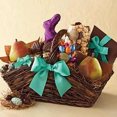 Deluxe Easter Gift Basket - Harry and David  $59.95 @Gifts.com #pintowingifts
