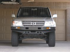 old style TJM front Toyota Lc, Toyota Trucks, Toyota Hilux, 4x4 Trucks, Toyota Tacoma, 100 Series Landcruiser, Landcruiser 100, Land Cruiser Models, Carros Toyota