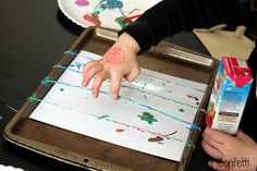 Rubber Band Painting + 30 art activities for 3 year olds Easy Art Projects, Projects For Kids, Crafts For Kids, Children Crafts, Project Ideas, Toddler Activities, Preschool Activities, Kindness Activities, Painting Activities