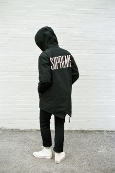 fashion street style supreme streetstyle supreme new york Converse streetwear Supreme 2013 supreme london supreme fishtail supreme jacket juicydistortion Streetwear Mode, Streetwear Fashion, Outfits Blanco, Mode Swag, Urban Fashion, Mens Fashion, Street Fashion, Supreme, Mode Style