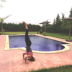 Pin now, practice later - how to use blocks for tripod headstand
