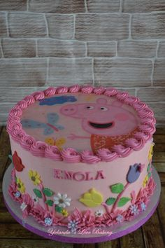 tarta Mixta de Crema....Pepa Pig Para el cumple de Enola Tortas Peppa Pig, Baby Reveal Cakes, Peppa Pig Birthday Cake, Pig Party, Birthday Party Decorations, Birthday Celebration, Birthdays, Chocolate, Simple Elegant Cakes